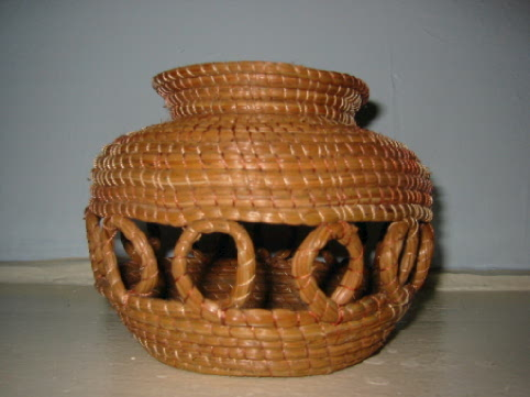 picture of a Pine Needle Vase
