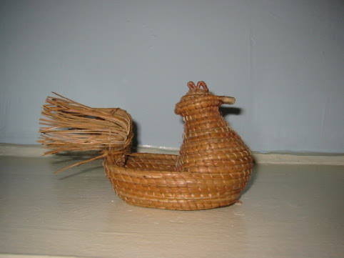 picture of a Pine Needle Hen
